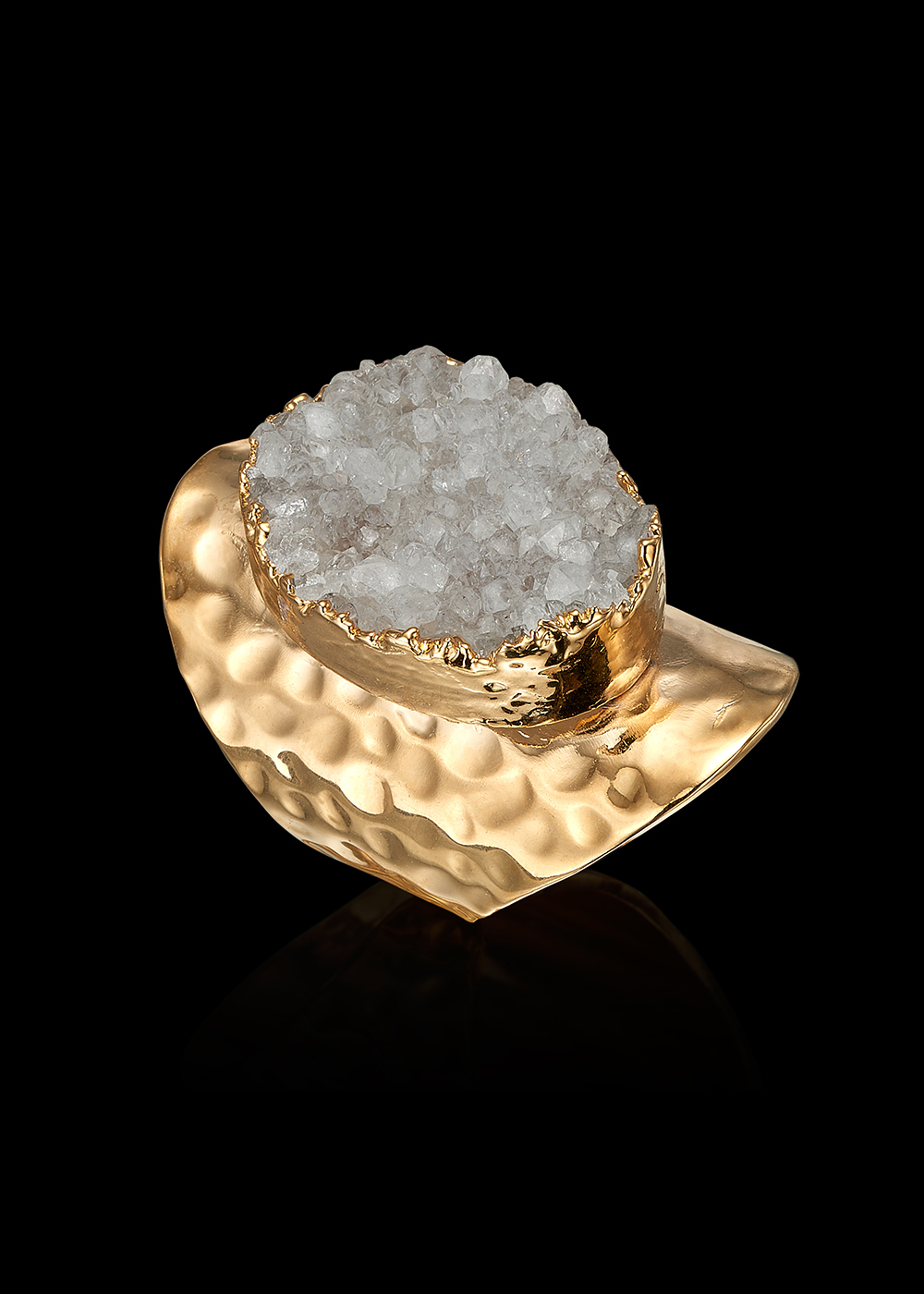 ALBA ring with White Calcedonia