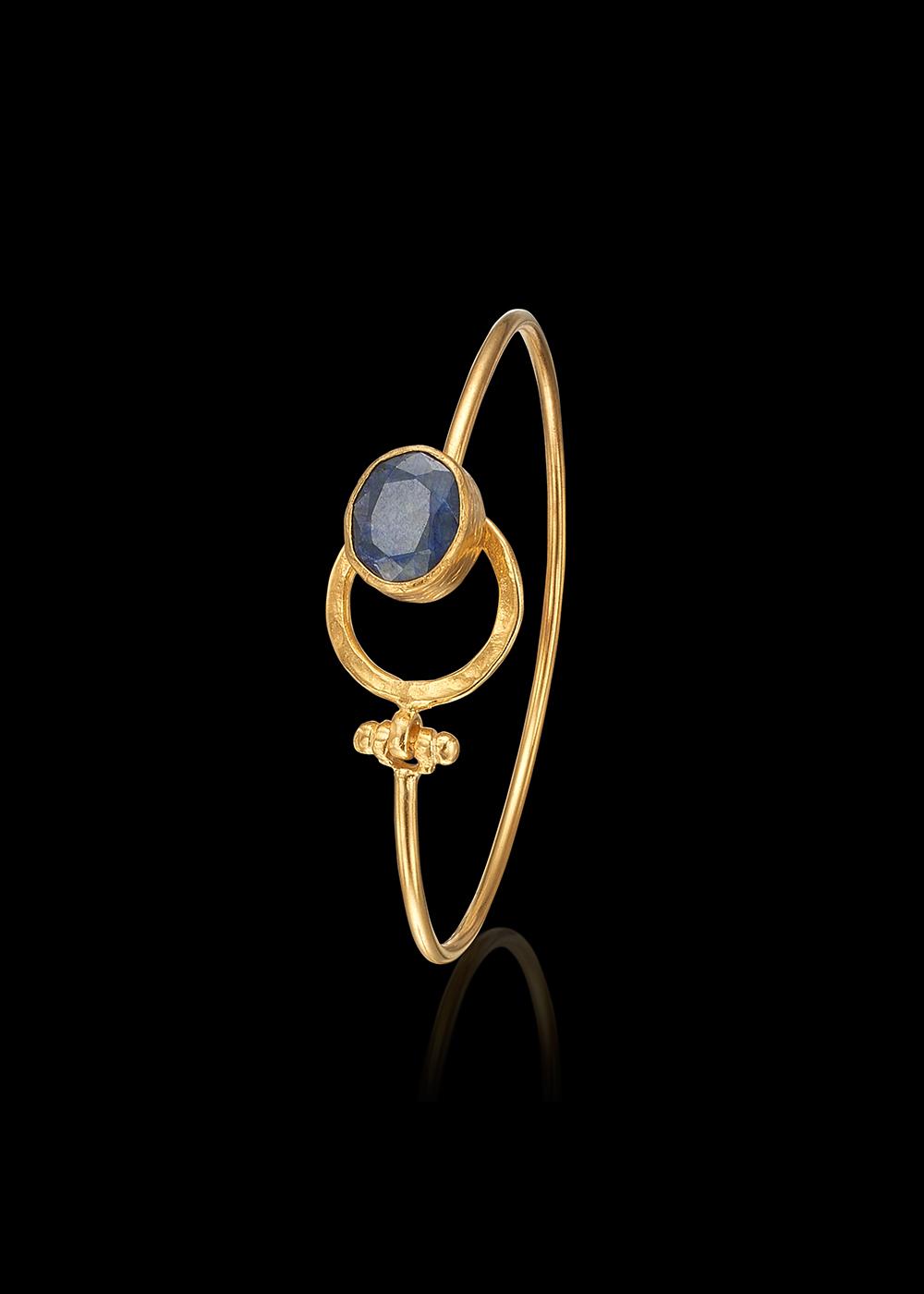 KYBRA bracelet with Sapphire